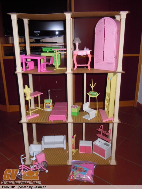 Chiedo valutazione casa a 3 piani barbie for Piani di casa casita