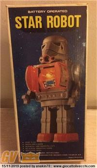 STAR ROBOT - BATTERY OPERATED (STORMTROOPER KNOCK-OFF) 1978